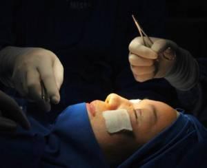 """""""抖音""""上拉客,轉手拿提成:民營美容醫院如此營銷是坑人嗎?"""